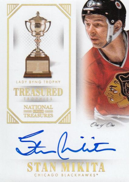 AUTO karta STAN MIKITA 13-14 National Treasures Treasured Trophies Gold 1/1